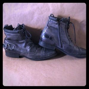 NUSHU Grey Leather Motorcycle Cap Toe Buckle Boot
